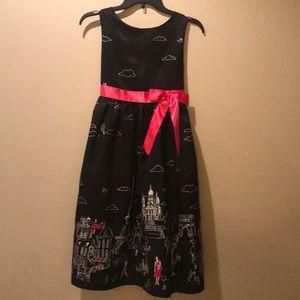 Paris - beautiful little girls dress ❤️